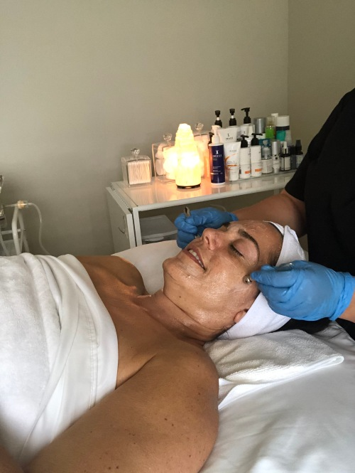 lymphatic massage of the face